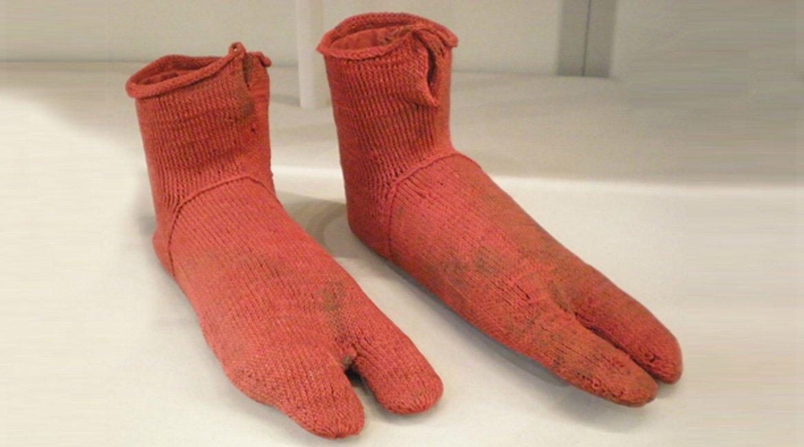 pair_of_socks_575.jpg