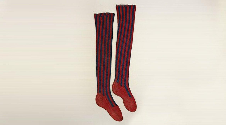 51b3185a189c7b36f9550dd823f832a6-blue-clocks-knit-socks.jpg